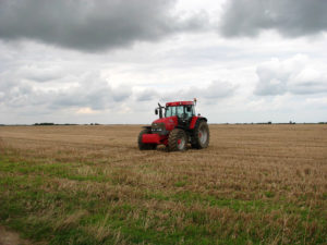Red_tractor_-_geograph.org.uk_-_929761